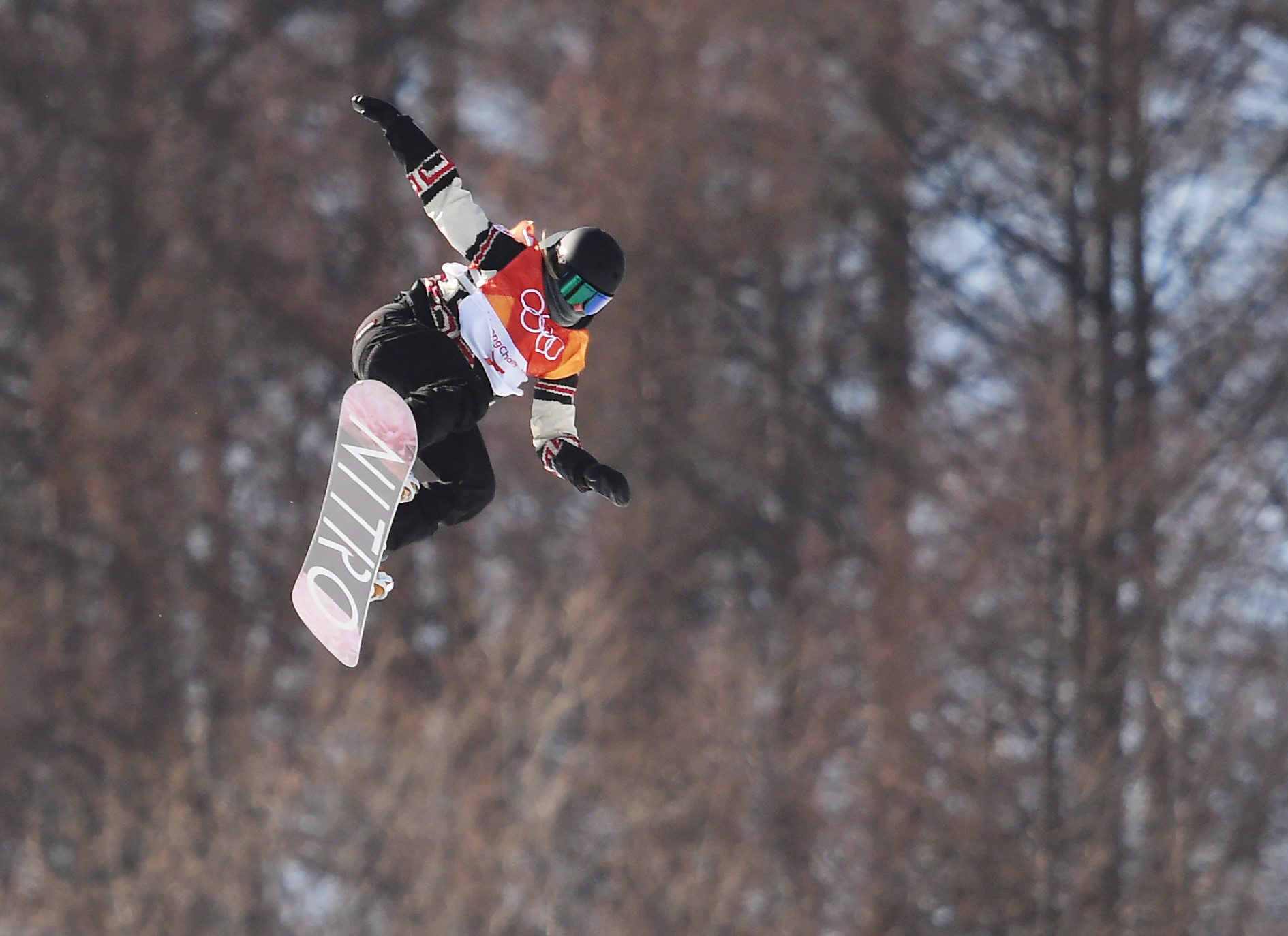 Jamie Anderson wins second Olympic slopestyle gold in dangerous conditions