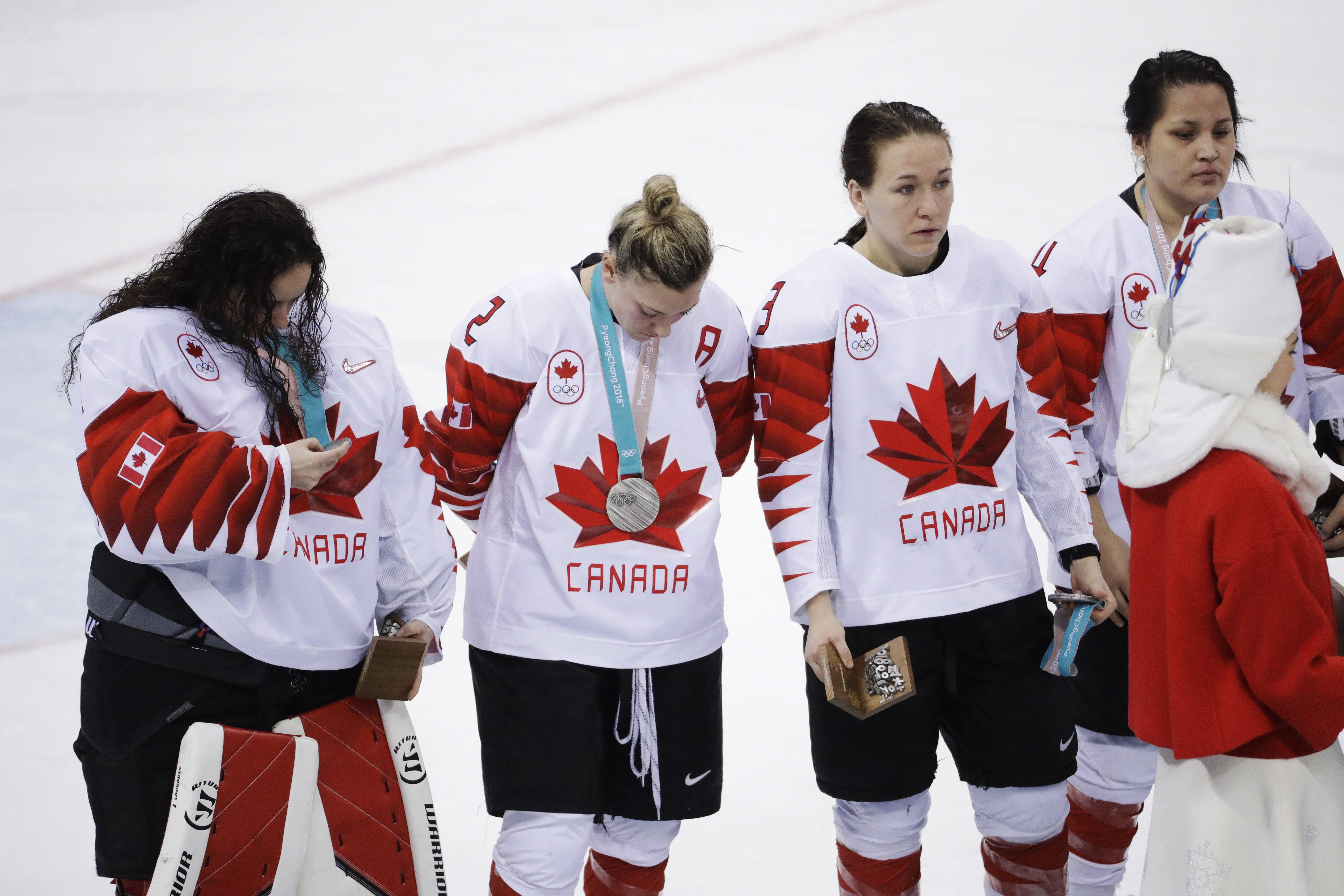 US end Canada's ice hockey run