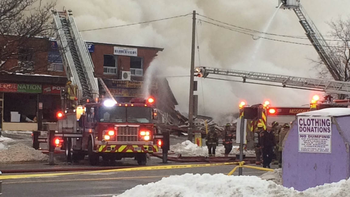 3, including child, injured in explosion at Mississauga commercial building