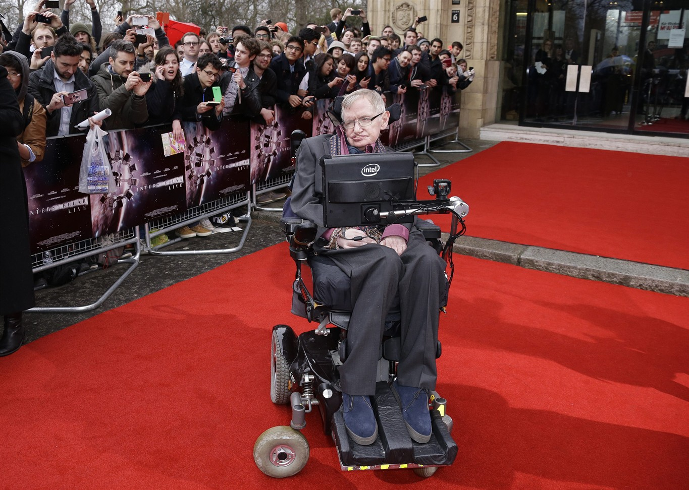Tributes from Portsmouth professor inspired by 'iconic' Stephen Hawking