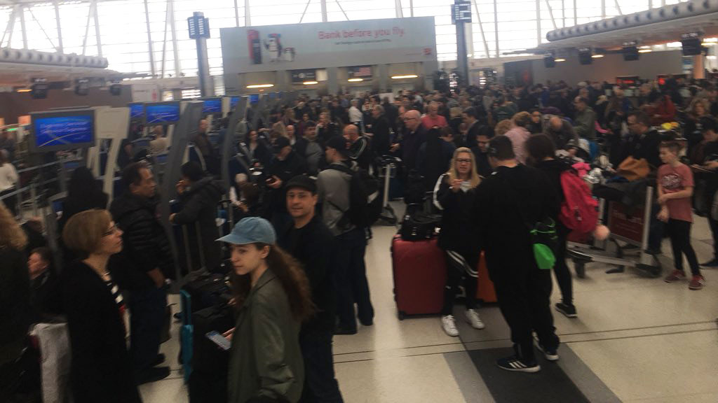 Air Canada computer glitch causing long lines across Canadian airports