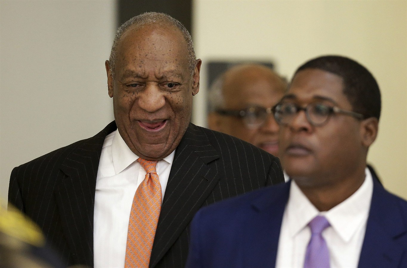 Cosby lawyers portray accuser as 'con artist' seeking payout