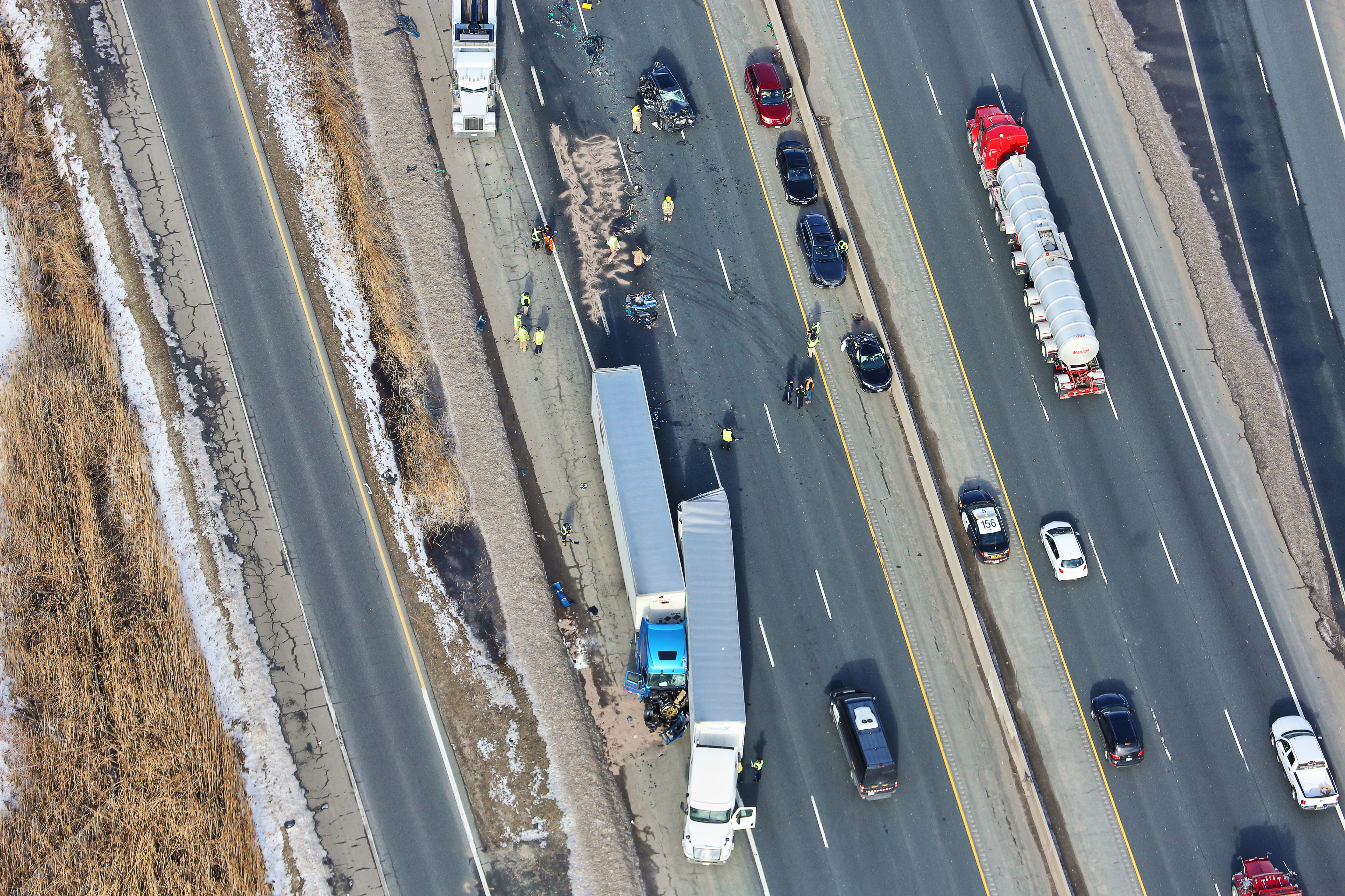 Several transport trucks, vehicles involved in 3 separate crashes on Hwy.  401