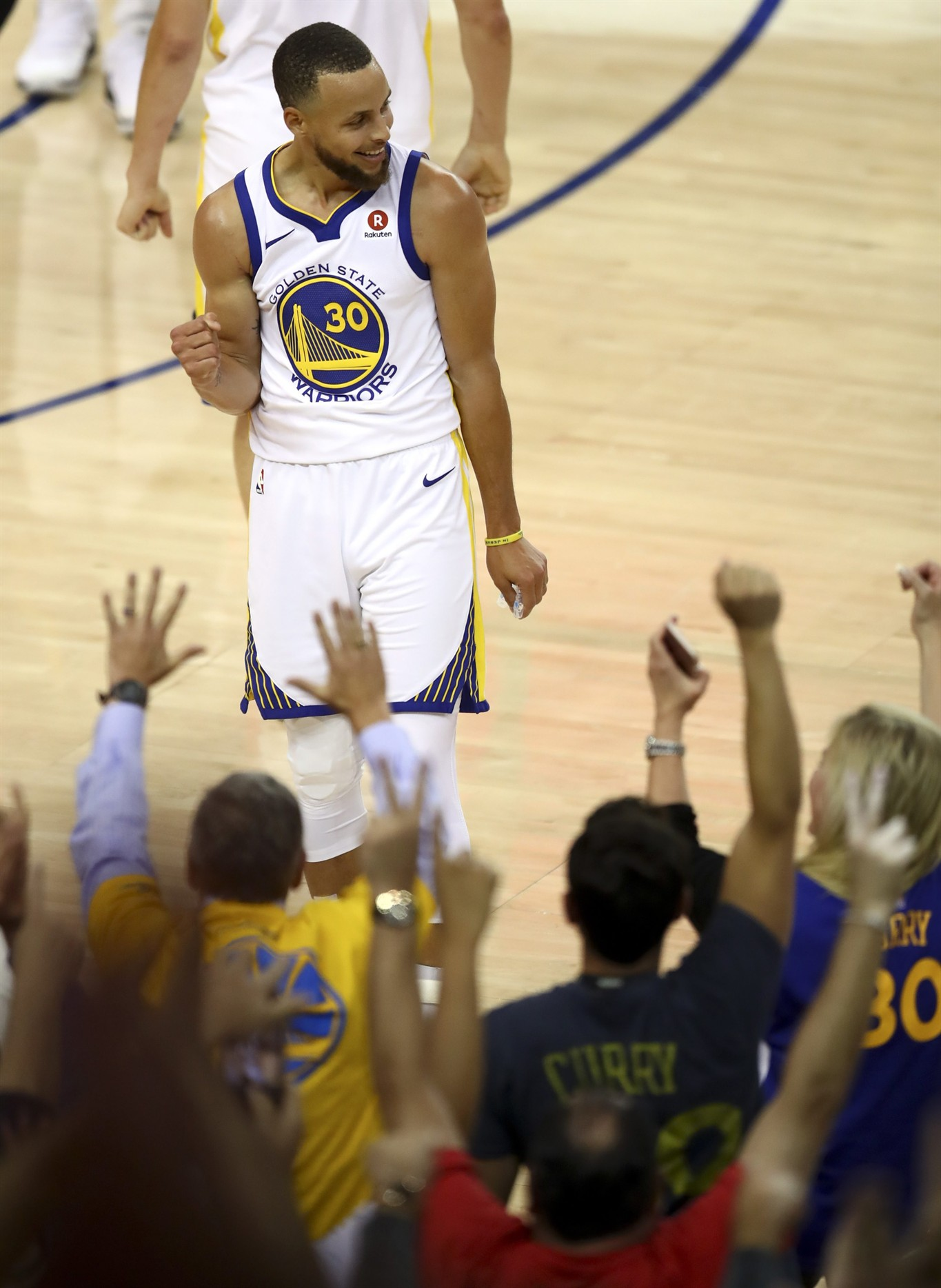 58f100fce2ef Warriors withstand James  51 points to win NBA Finals Game 1