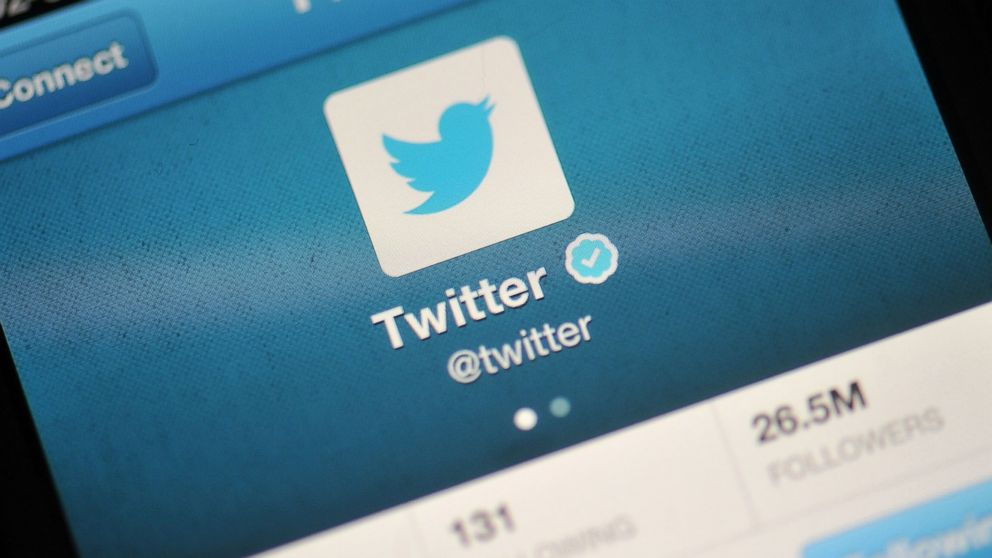 Twitter plunges as monthly users unexpectedly fall (TWTR)