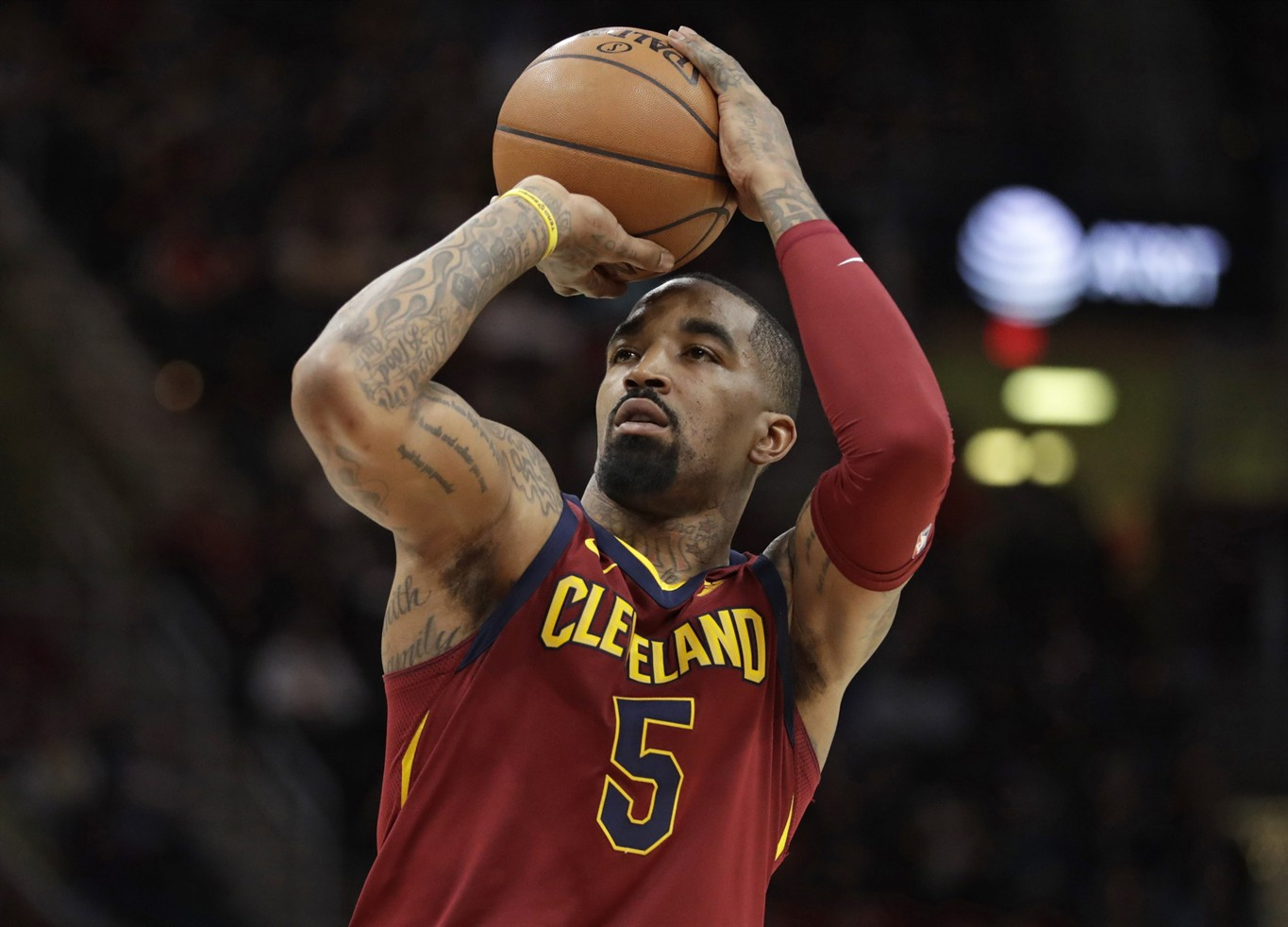 J.R. Smith will go to court for cell phone throwing incident
