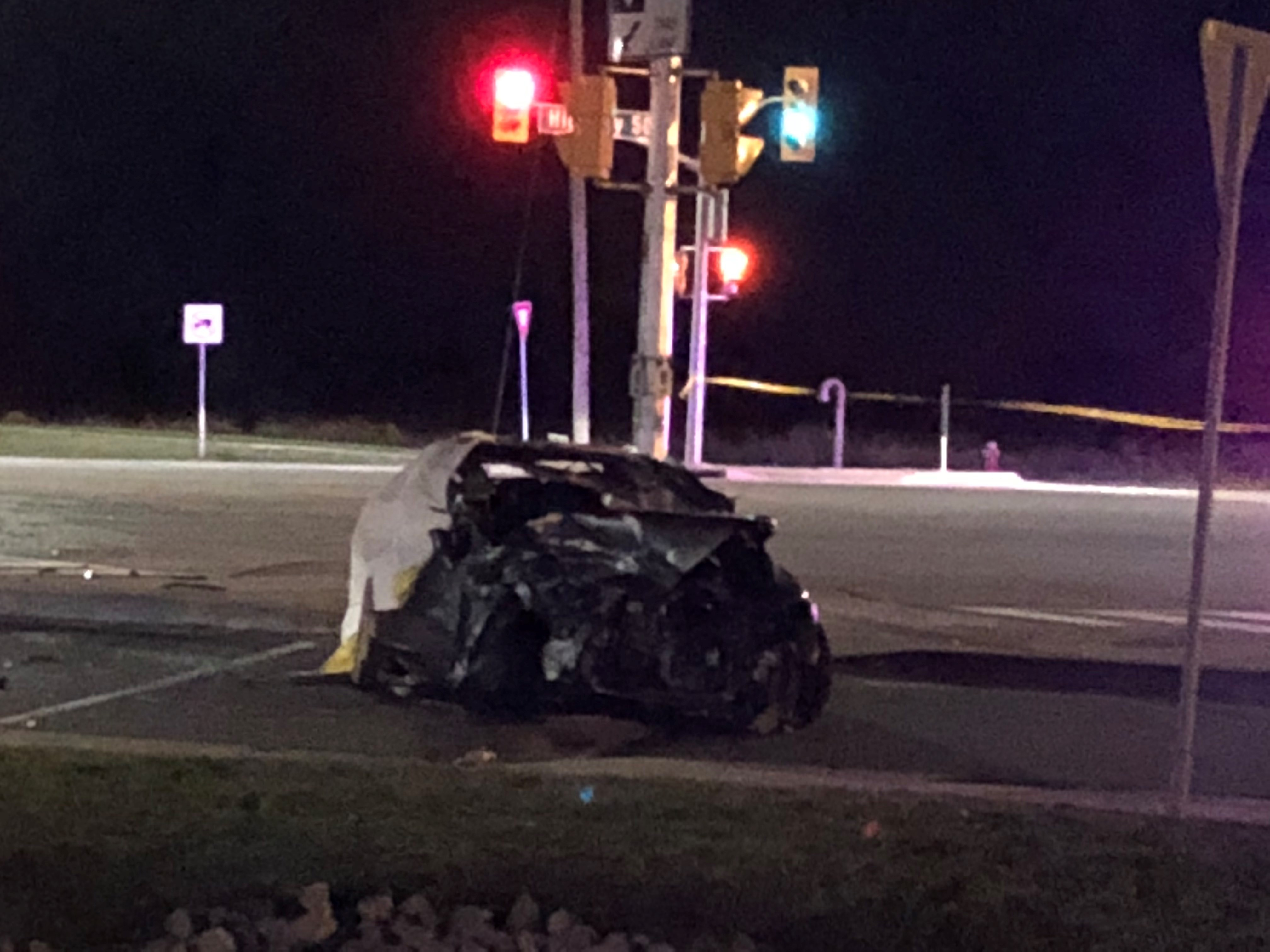 Police searching for driver in fatal two-car crash in Vaughan