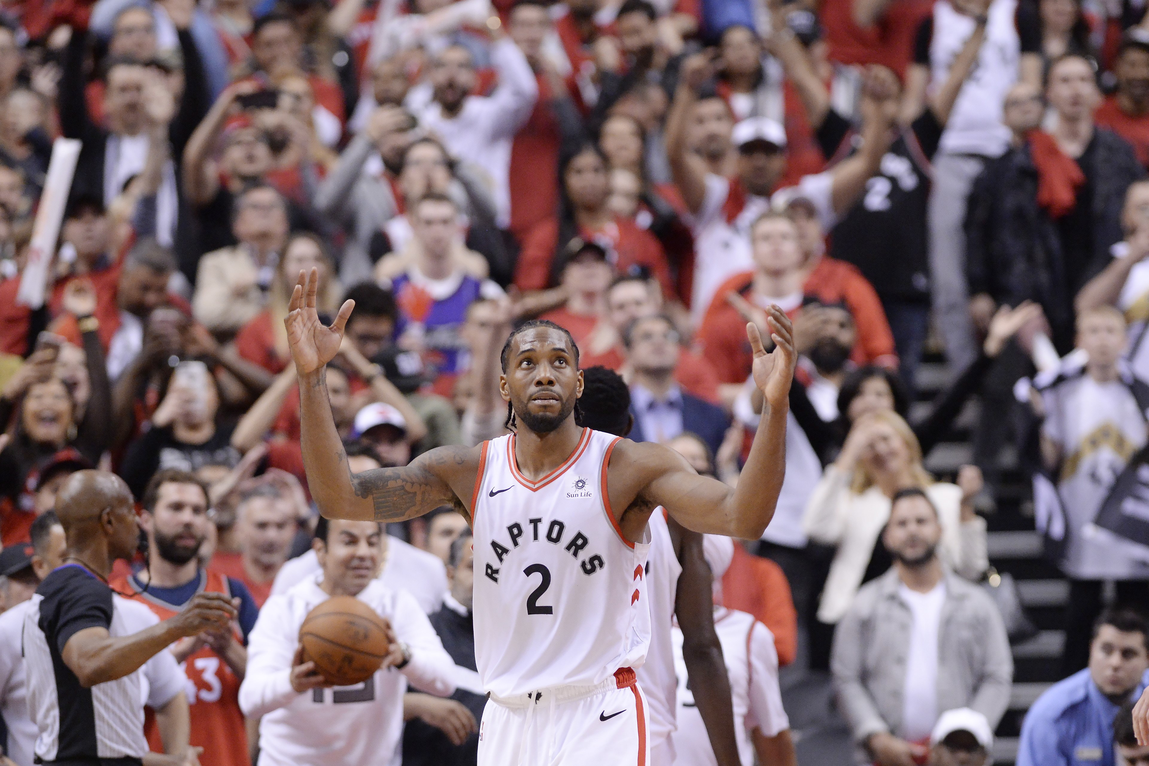 42305531018 Toronto Raptors forward Kawhi Leonard (2) reacts following the Raptors win  against the Milwaukee Bucks in Game 3 of the NBA Eastern Conference finals  in ...