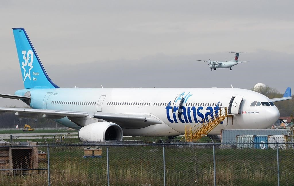 Transat shareholders approve sale to Air Canada