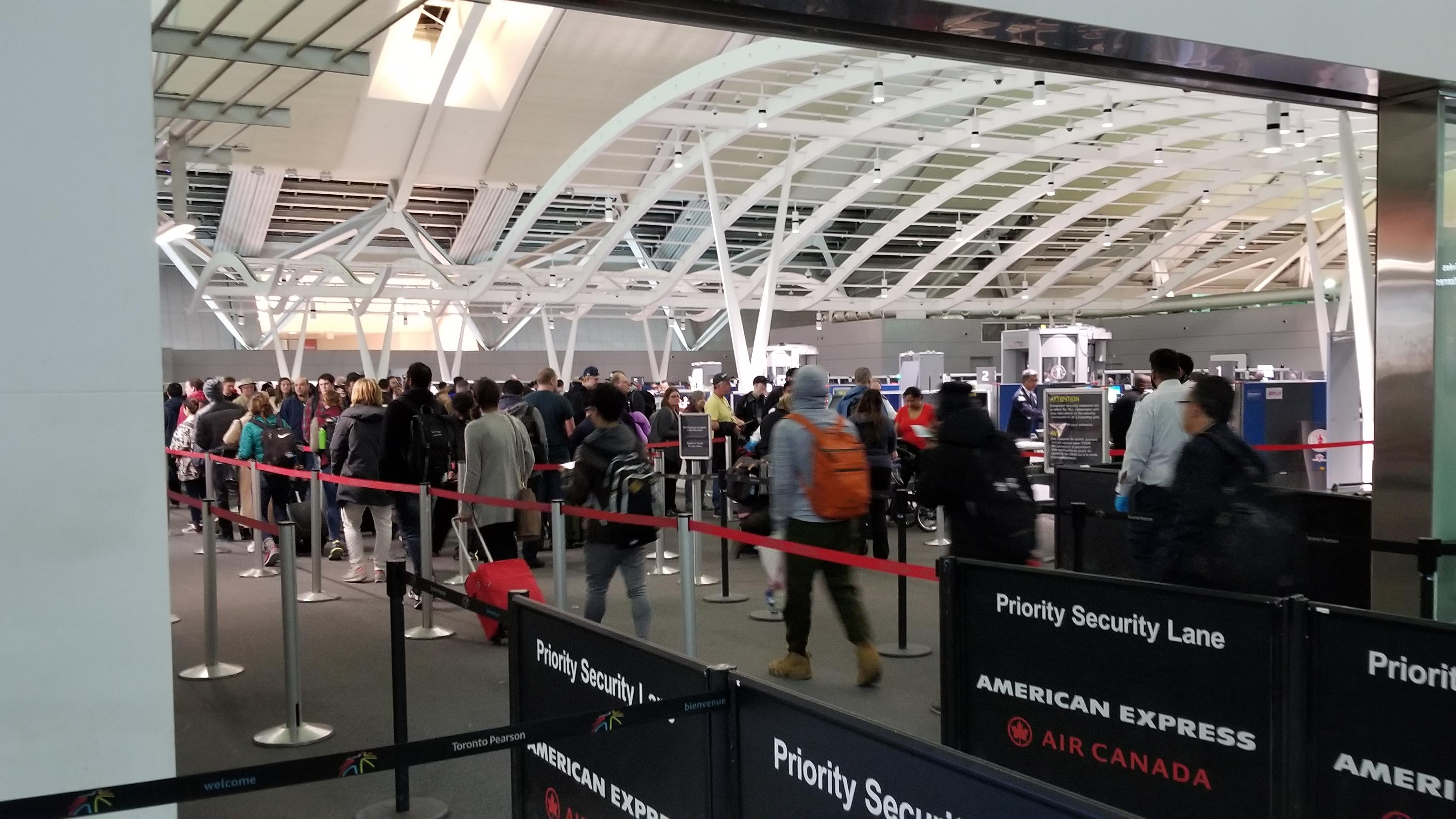 Pearson-Travel-Passengers-Line.jpg