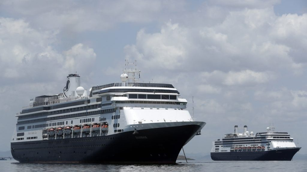 Canadians on 2 stranded cruise ships will be heading home