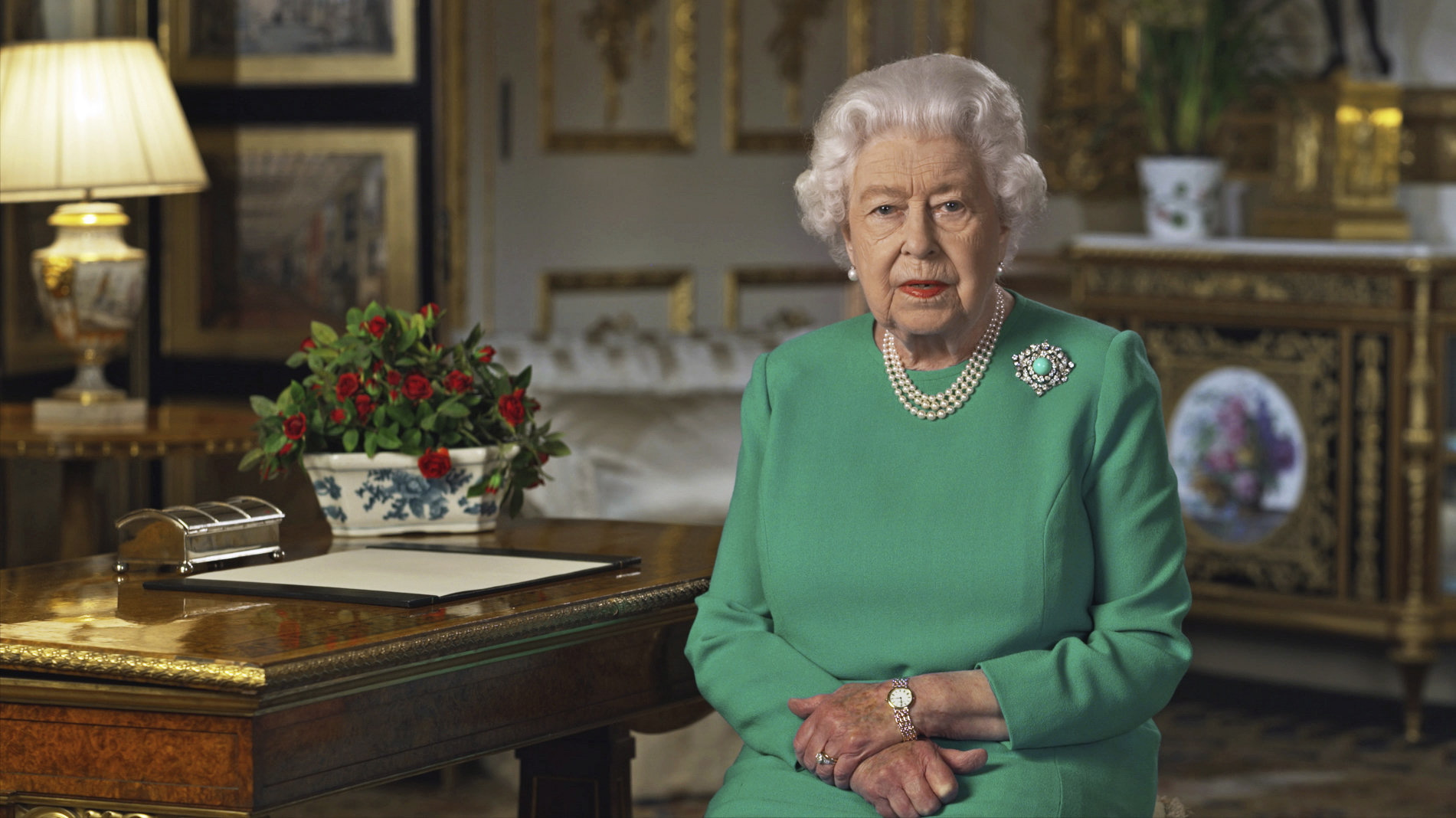 Queen Elizabeth to give rare televised speech about the coronavirus