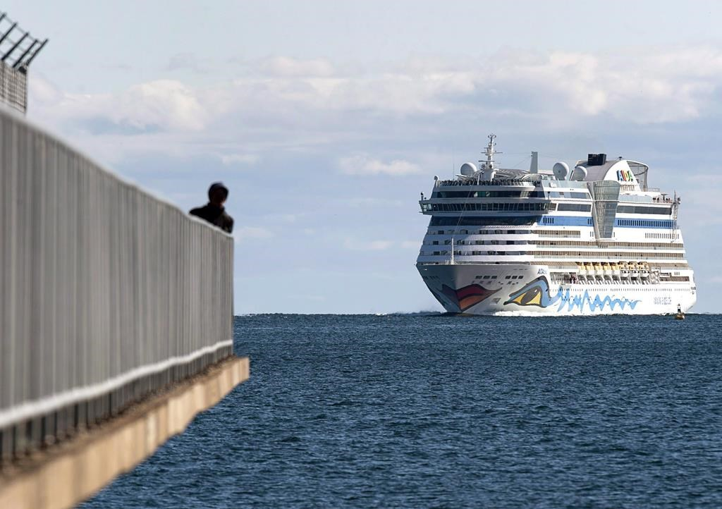 Canada extends cruise ship ban until end of October