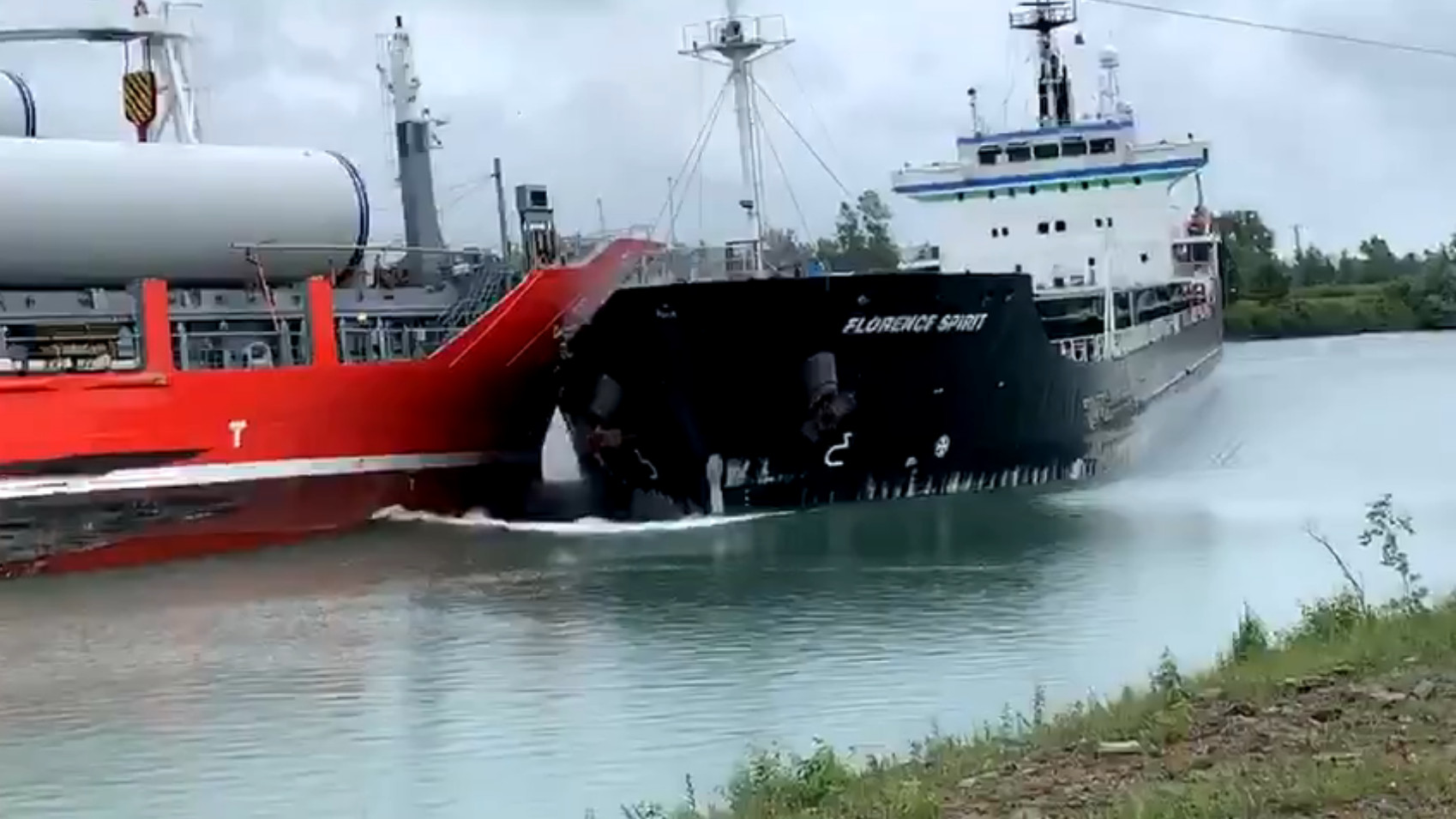 Dramatic collision between two vessels on Welland Canal ...