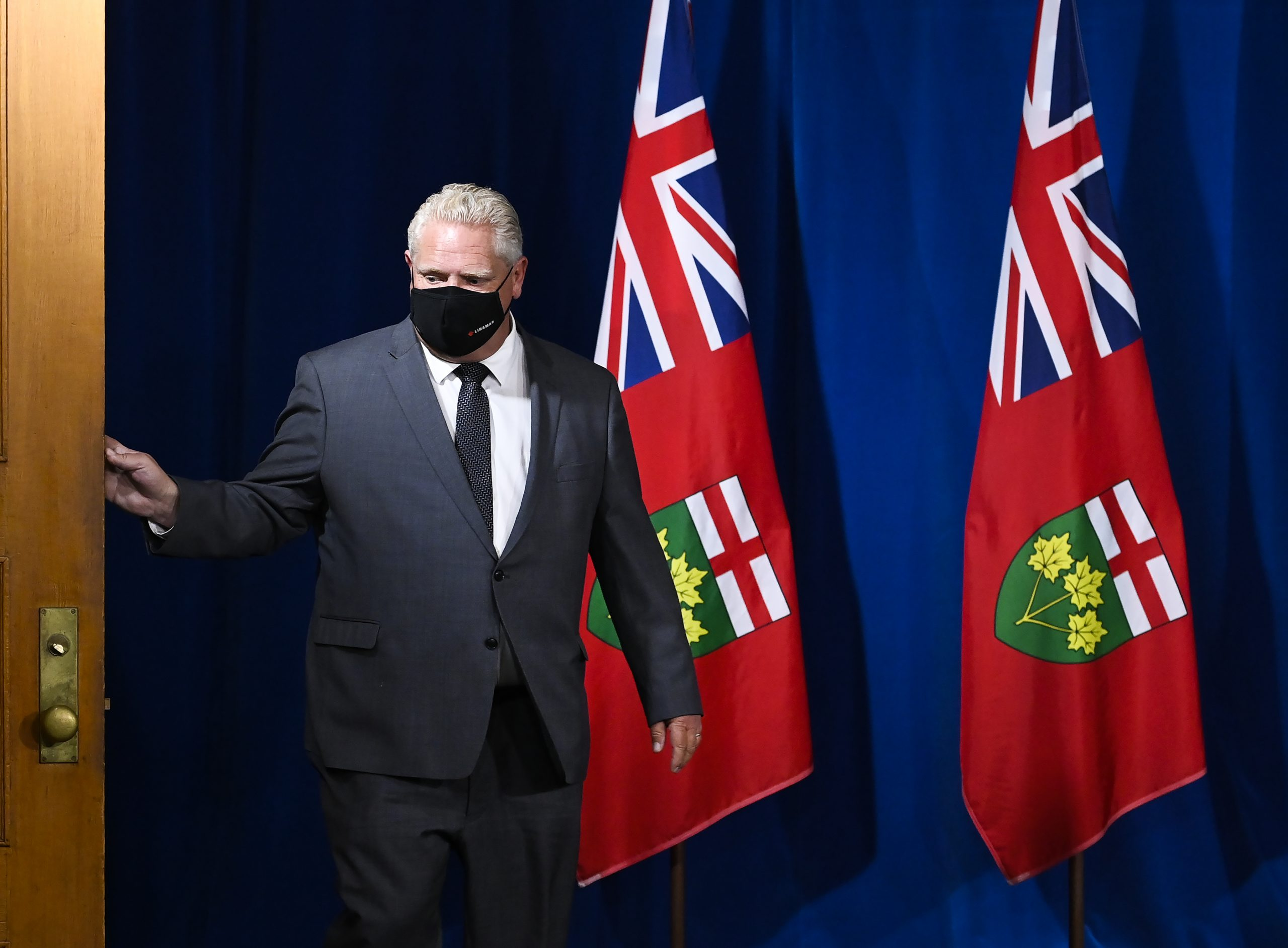 Ontario extending Toronto and Peel lockdowns, new restrictions to be announced Monday