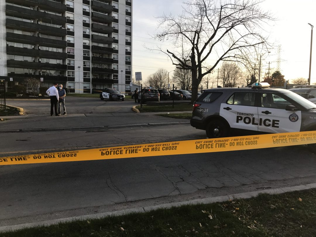 4 teens injured, 2 critically, in Toronto shooting